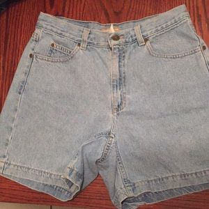Vintage High Rise Short Size 6